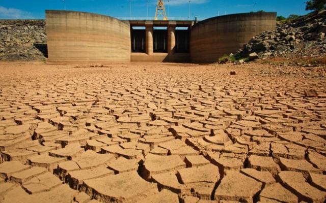 Água & Energia : A falta de planejamento escancara a situação atual.
