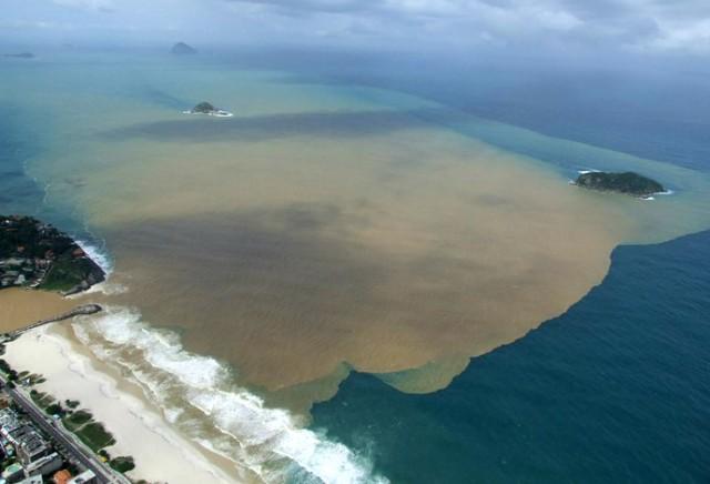 Poluição na orla carioca preocupa competição internacional de surf